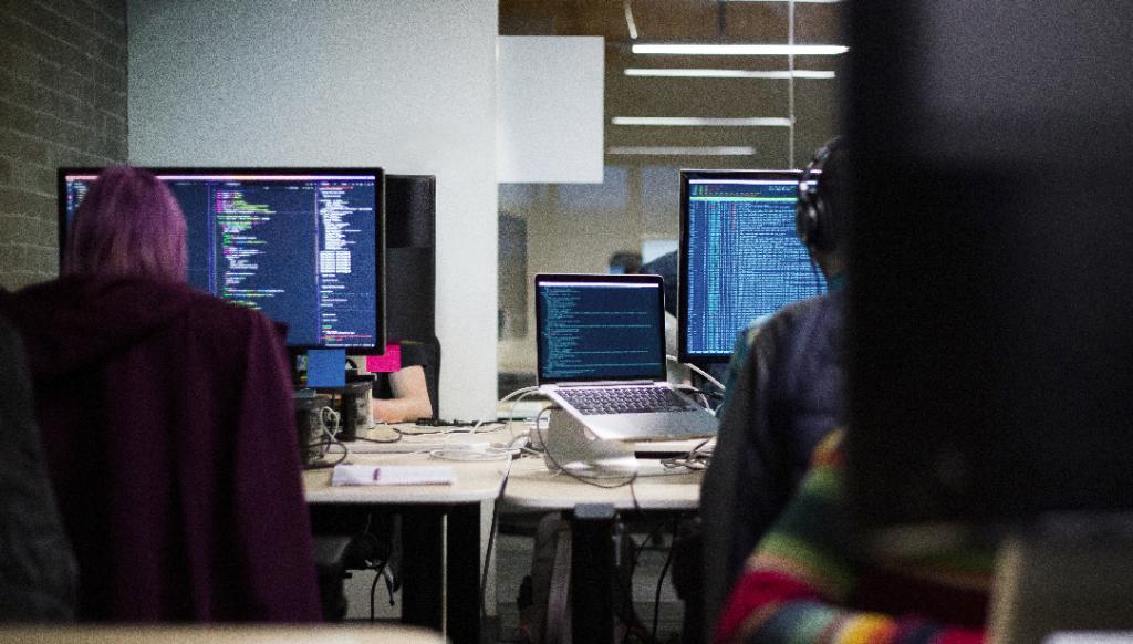 php vs python for web development